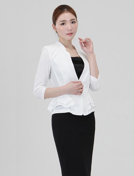 乐动体育官网下载app白色小职业西装套裙定做夏季职业装短袖设计订制